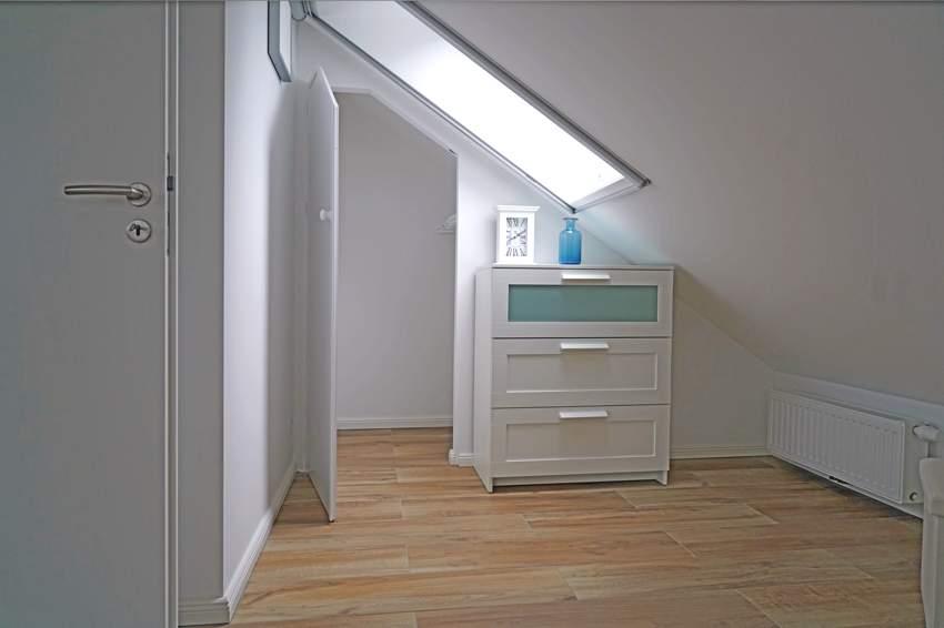 zwei identische Zimmer oben